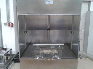 Reinigungseinheit für Kunststoffe mit ionisierendem Luftwäscher, 3.000 x 3.000 mm